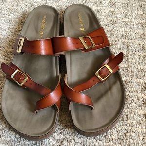 c733c6bdb09a Madden Girl Shoes - LIKE NEW Madden Girl Bryceee Flat Sandal in Cognac